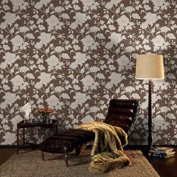 Living decorat cu tapet floral